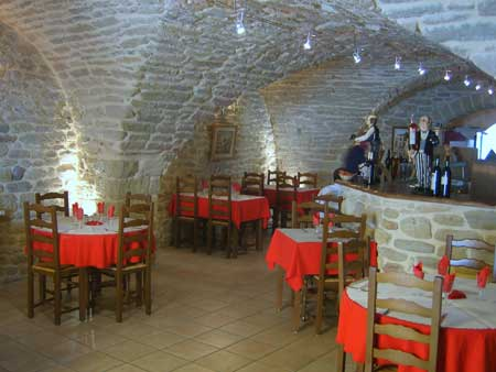 Restaurant de Wrestling Passion Salle_restaurant_aigues_viv